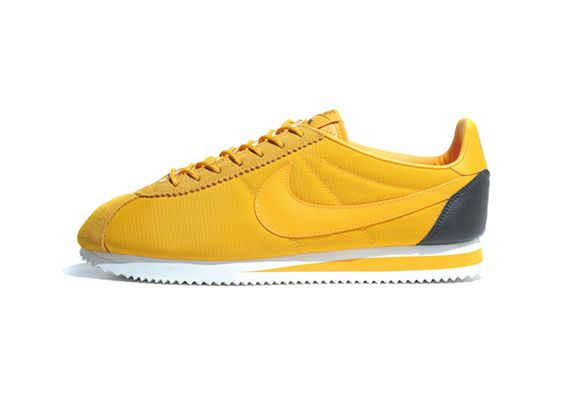 low priced fc6e0 15b4f Nike Cortez