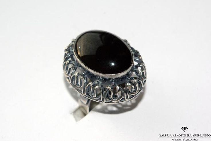 Unikatowy czarny krzemień pasiasty! Klasyczna oprawa Art deco. Te i wiele innych fantastycznych pierścionków na stronie www.rekodzielosrebrne.pl