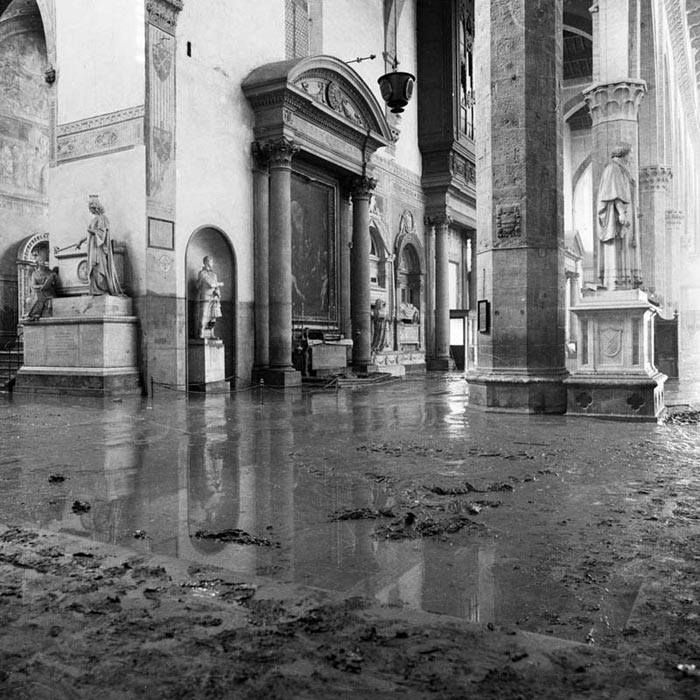 The flood. 4 November 1966. The water of the Arno rose 2,7 meters (8,86 feet) inside the Basilica of Santa Croce, Florence.