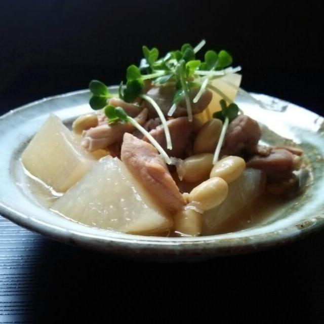 いろんな料理の残りものを圧力鍋で3分煮ました~♪ - 81件のもぐもぐ - 大根ととり肉と大豆の煮物♪ by kumikooh19910f