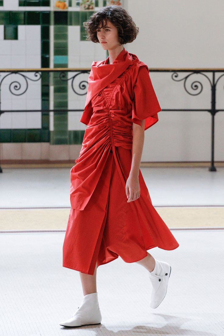 Lemaire Spring 2017 Ready-to-Wear Fashion Show - Leila Zandonai