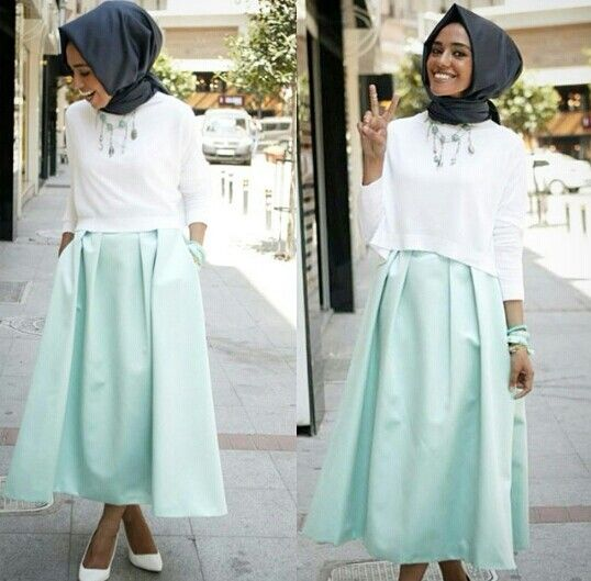 Mint green skirt worn by Hulya Aslan
