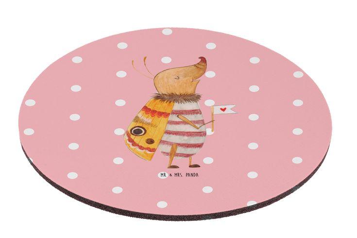 """Mauspad rund Nachtfalter mit Fähnchen aus Naturkautschuk  black - Das Original von Mr. & Mrs. Panda.  Ein wunderschönes rundes Mouse Pad der Marke Mr. & Mrs. Panda. Alle Motive werden liebevoll gestaltet und in unserer Manufaktur in Norddeutschland per Hand auf die Mouse Pads aufgebracht.    Über unser Motiv Nachtfalter mit Fähnchen  Unser kleiner Nachtfalter aus der """"Small World"""" - Kollektion ist immer gut gelaunt.     Verwendete Materialien  Hergestellt mit einer sehr hochwertigem und…"""