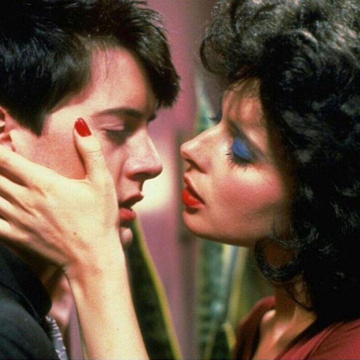 Kyle MacLachlan & Isabella Rossellini in Blue Velvet by David Lynch, 1986 •