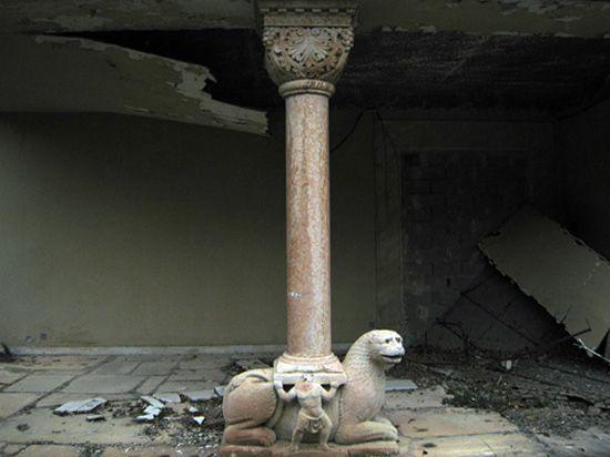 alexander iolas' villa by andreas angelidakis