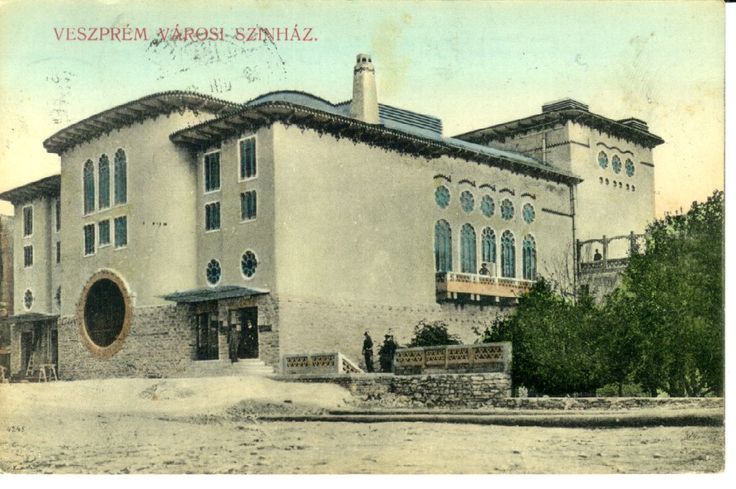 The theatre in the 1910's