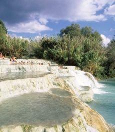 Las Cascadas de aguas termales del Molino