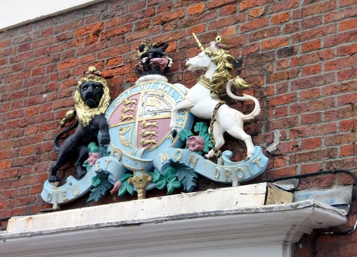 A Rather Impressive Royal Coat of Arms that sits above the doorway to Bostonu0027s Custom House & 8 best VP Visits Boston Lincolnshire images on Pinterest | Boston ...