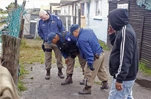 Ex-gangbangers aim to halt Cape Town violence - Al Jazeera English