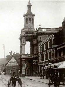 Corn Exchange and the Plume of Feathers, 1909