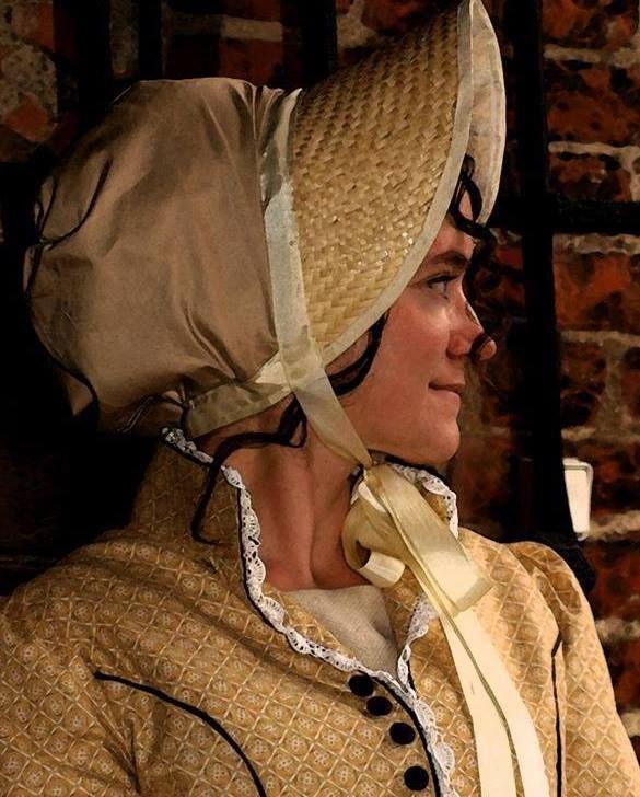 Dress inspired by fashion from the period of regency Photo.by Ewa Słowikowska
