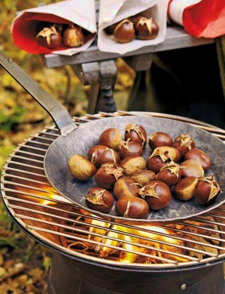 Sült gesztenye (Roasted chestnuts)
