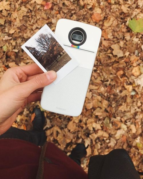 Hello moto hello beautiful  Introducing the new Polaroid insta-share printer moto mod from @motorolaus via Polaroid on Instagram - #photographer #photography #photo #instapic #instagram #photofreak #photolover #nikon #canon #leica #hasselblad #polaroid #shutterbug #camera #dslr #visualarts #inspiration #artistic #creative #creativity