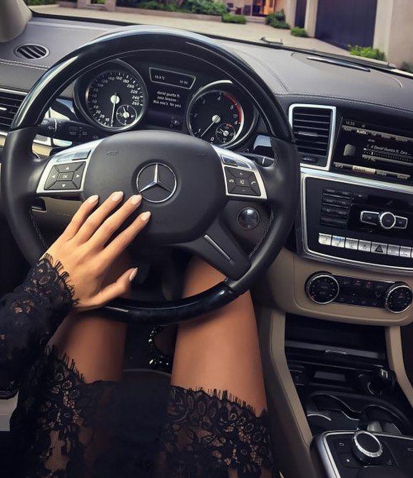 Luxury Lifestyle On Instagram Luxury Luxurylife Fashion Lifestyle Style Millionaire Love Obraz Zhizni Milliarderov Devushka S Avtomobilem Mersedes Bens