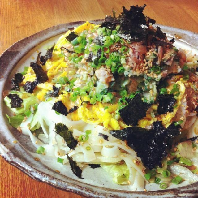 ゴーヤとツナマヨをトッピングo(@^◇^@)o なかなか美味しかった! - 13件のもぐもぐ - サラダきしめんうどん by saayuone