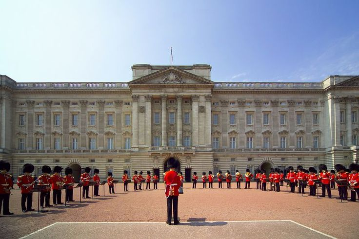 Buckingham Palace - The Queen's London Residence on http://www.AboutBritain.com/BuckinghamPalace.htm