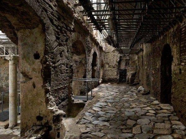 RITROVAMENTIE SCOPERTE: Lo scavo ha confermato che nel sito la vita è continuata dopo l'età antica con una serie di trasformazioni e riusi.