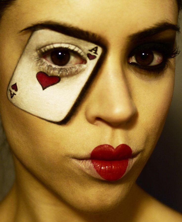 queen of hearts makeup - Mal ohne Brille, aber sehr schön und mit Kontaktlinsen immer ein spannendes Kostüm.