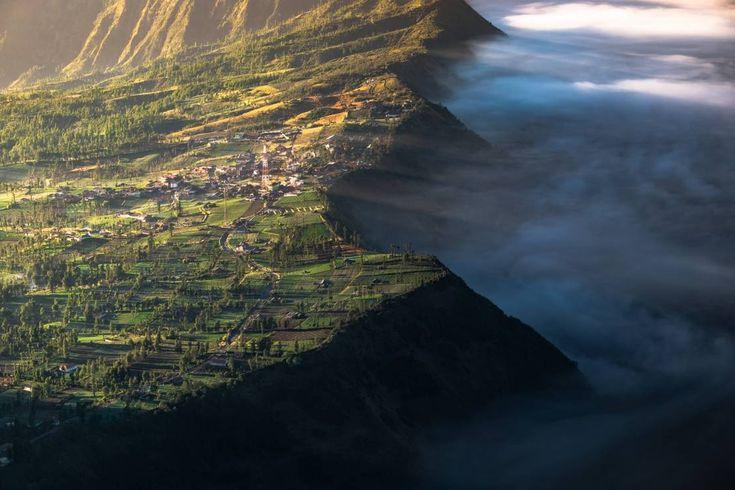 19.Cemoro Lawang, Indonezja - 20 miejsc, które są zbyt piękne, by były prawdziwe (a jednak istnieją) [GALERIA]