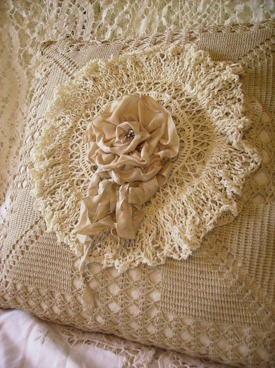 Beautiful tatted/crochet pillow with handmade, center flower~❥