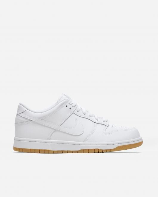 Naked - Supplying girls with sneakers - Nike Dunk Low | NAKED