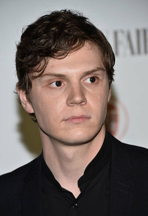 Drop Dead Gorgeous! Evan Peters at the Vanity Fair and Fiat Toast to Young Hollywood. Follow rickysturn/evan-peters