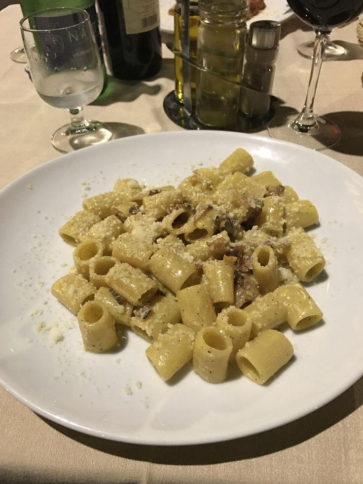 [i ate] mezze maniche alla Cabonara in Rome