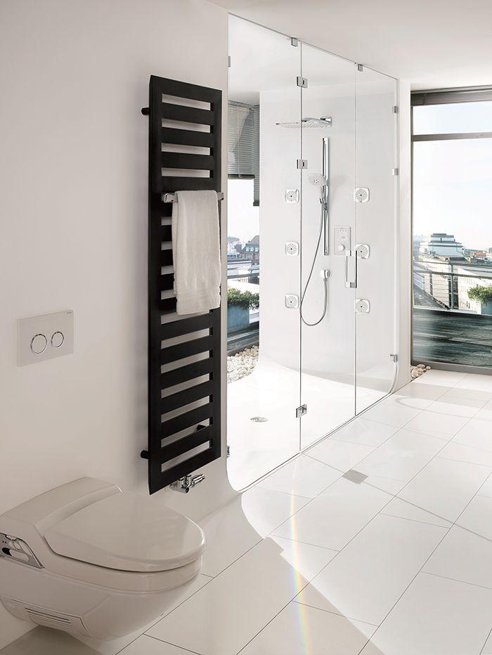 Glazen douchedeur voorzien van glazen afscheiding | badkamer inspiratie