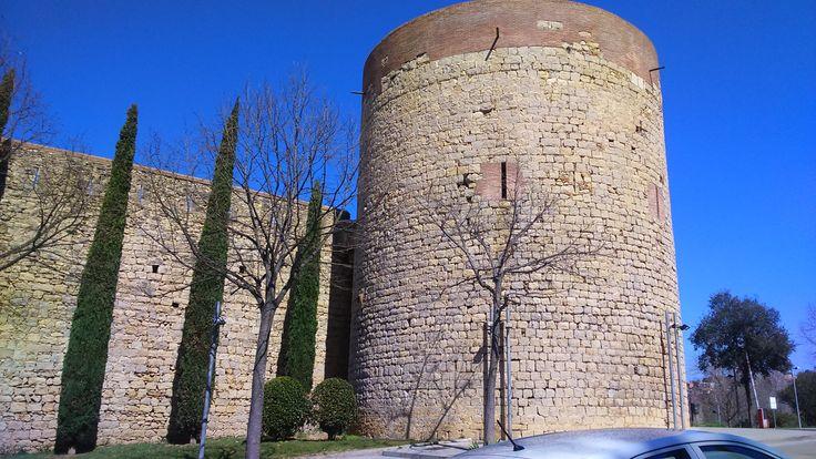 Torre medieval en Carrer de la Muralla de Girona.