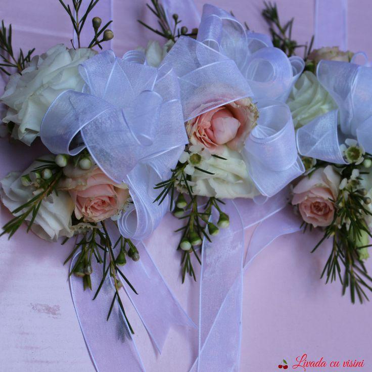 #corsage  #flori #madewithjoy #paulamoldovan #livadacuvisini #details #detailsmakethedifference #flowers #reasontosmile #happyflorist #floraldesign #bucuresti #bucharest