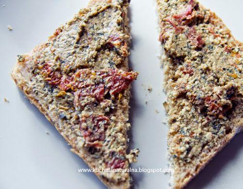 Pasta z pestek dyni i suszonych pomidorów | in harmony with nature