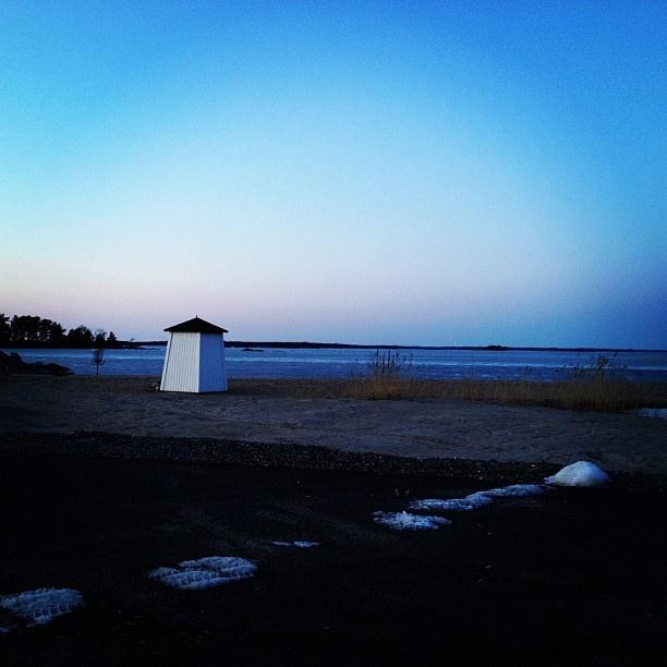 Vårkväll i Hangöby hamnen