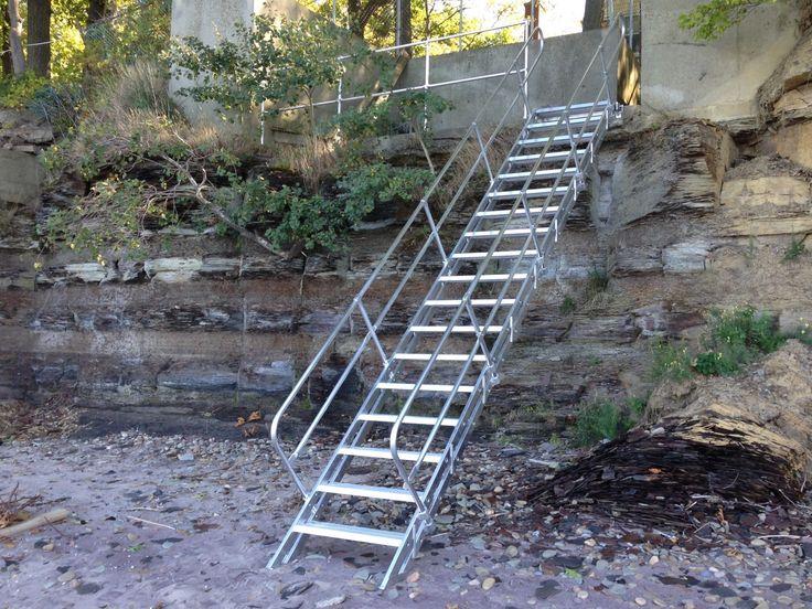 Best Diy Non Slip Stair Treads In 2020 Stair Railing Design 400 x 300