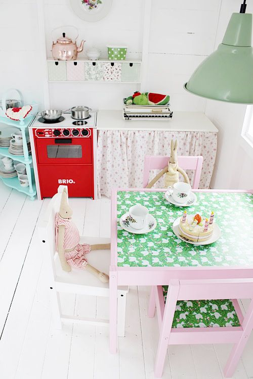 A Glorious Lil DIY Hut For Girls Playhouses Pinterest Play