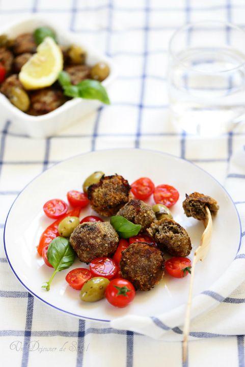 Boulettes de viande aux aubergines et aux olives (polpette) - Un déjeuner de soleil