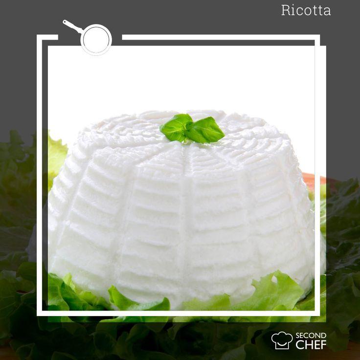 #Sapeviche la ricotta non può essere considerata un vero formaggio, ma solo un latticino? È infatti un prodotto caseario, per la cui produzione non si utilizzano le proteine del latte, come per il formaggio, ma il siero ottenuto durante il processo di caseificazione, cioè la parte liquida che si separa dalla cagliata. Scopri le nostre ricette su http://rebrand.ly/menu-settimanale  #Second_Chef #incucinaconsecondchef  #ricette #eat #food