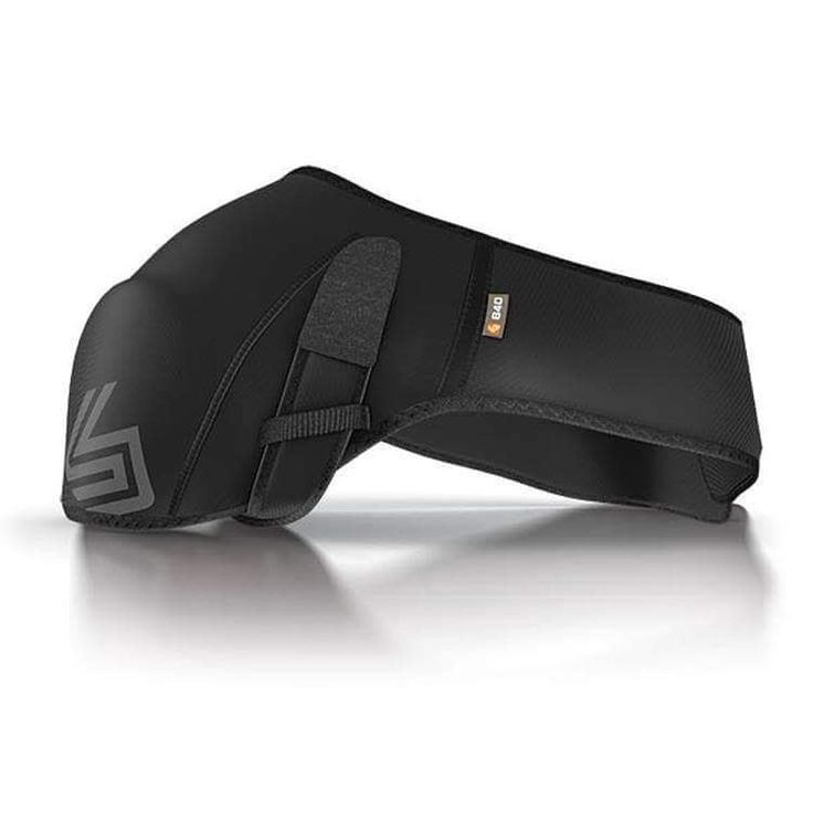 Shock Doctor ICE/HEAT Shoulder Wrap. Advanced compression therapy provides soft tissue support and joint alignment to accelerate healing for shoulder injuries - Includes reusable ice/heat pack - Designed for both left and right shoulder - Moisture wicking and anti-microbial. #shockdoctor #shoulderwrap #martialarts #mma #bjj #tkd #boxing #judo #bushidocanada