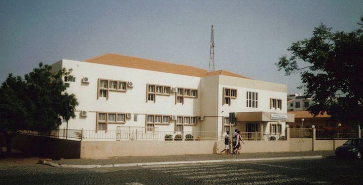 A health clinic in a residential area of Praia.//Medical Clinic, Achada de Santo António, Praia, Cape Verde.