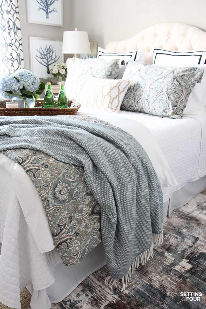 12 Ways To Create A Cozy Guest Bedroom Your Company Will Love. 25  best Home decor bedding ideas on Pinterest   Cute teen