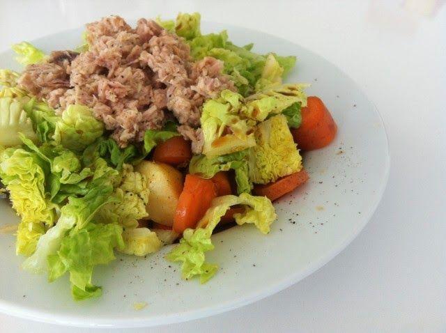 La mayoría de las personas cuando quieren bajar unos kilos de más y empiezan una dieta, creen que lo más saludable es dejar de cenar. Esto no puede esta