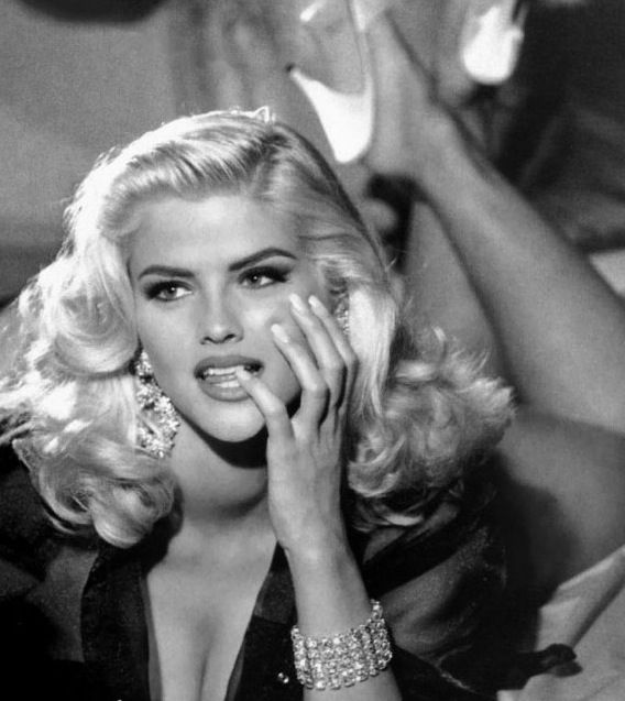 Anna Nicole Smith, For Guess