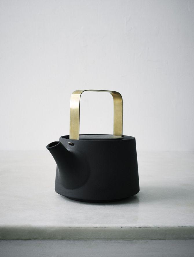 THE GREEN HOUSE | Black Teapot | ceramics