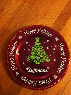 Cricut Christmas Vinyl Projects | Creative & Gracious Gifts for Guests