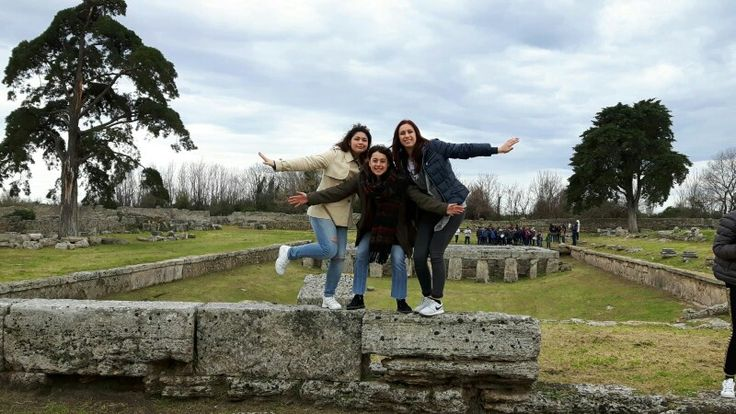 Paestum wht friend