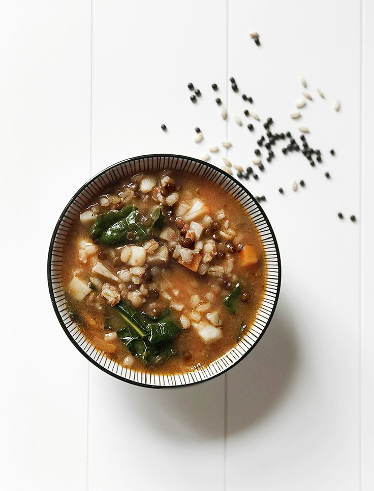 Zuppa d'orzo e lenticchie nere beluga - Barley and black lentil soup