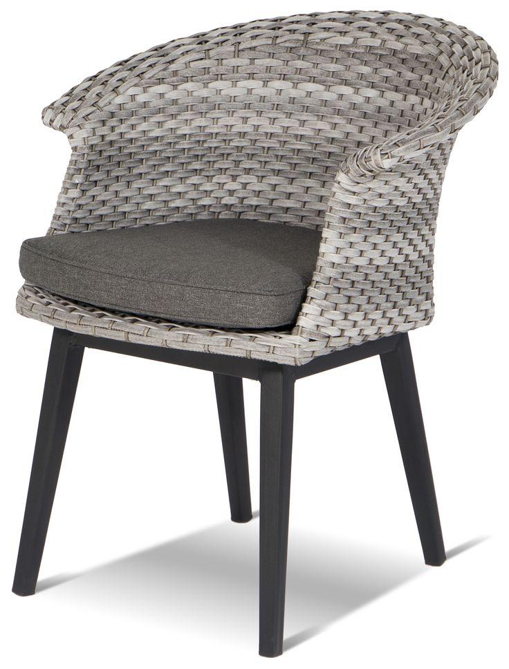"""Een mooie combinatie! De Roma is een diningstoel, vervaardigd uit aluminium in combinatie met wicker. Creëer een stoere look door de Roma stoel te combineren met een teak tuintafel. """"Hartman, daar geniet u langer van""""! #Roma #tuinstoel #diningstoel #Hartman"""