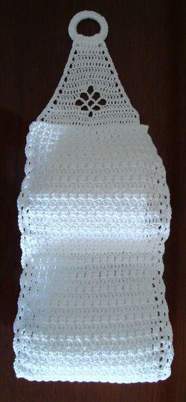 Porta papel higiênico em crochê feito com linha Anne na cor 8001 (branco).