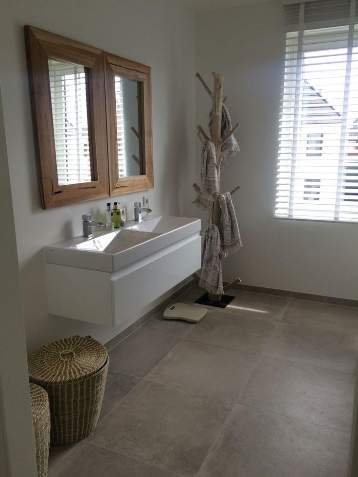 Badkamer naturel met hout