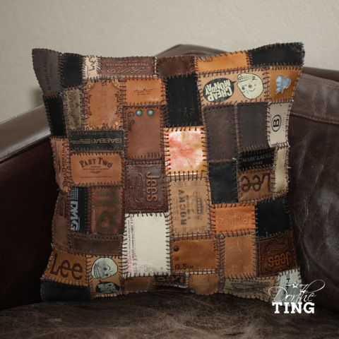 Cushion made of jeans labels. Pude syet af jeans labels