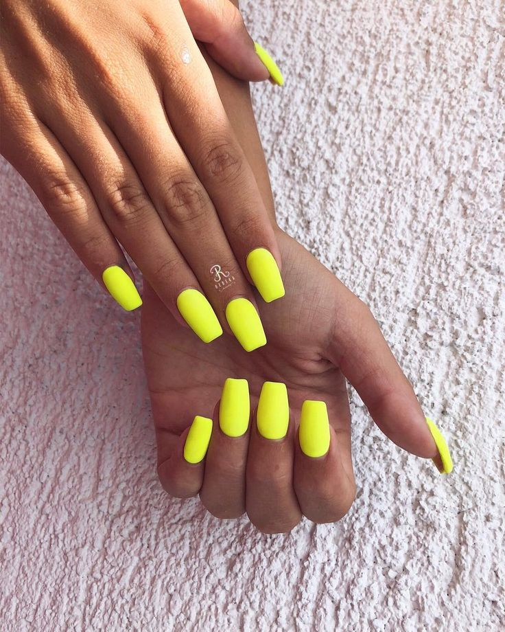 #geel #nagels #nail #nailart #neon #neonnailsummer